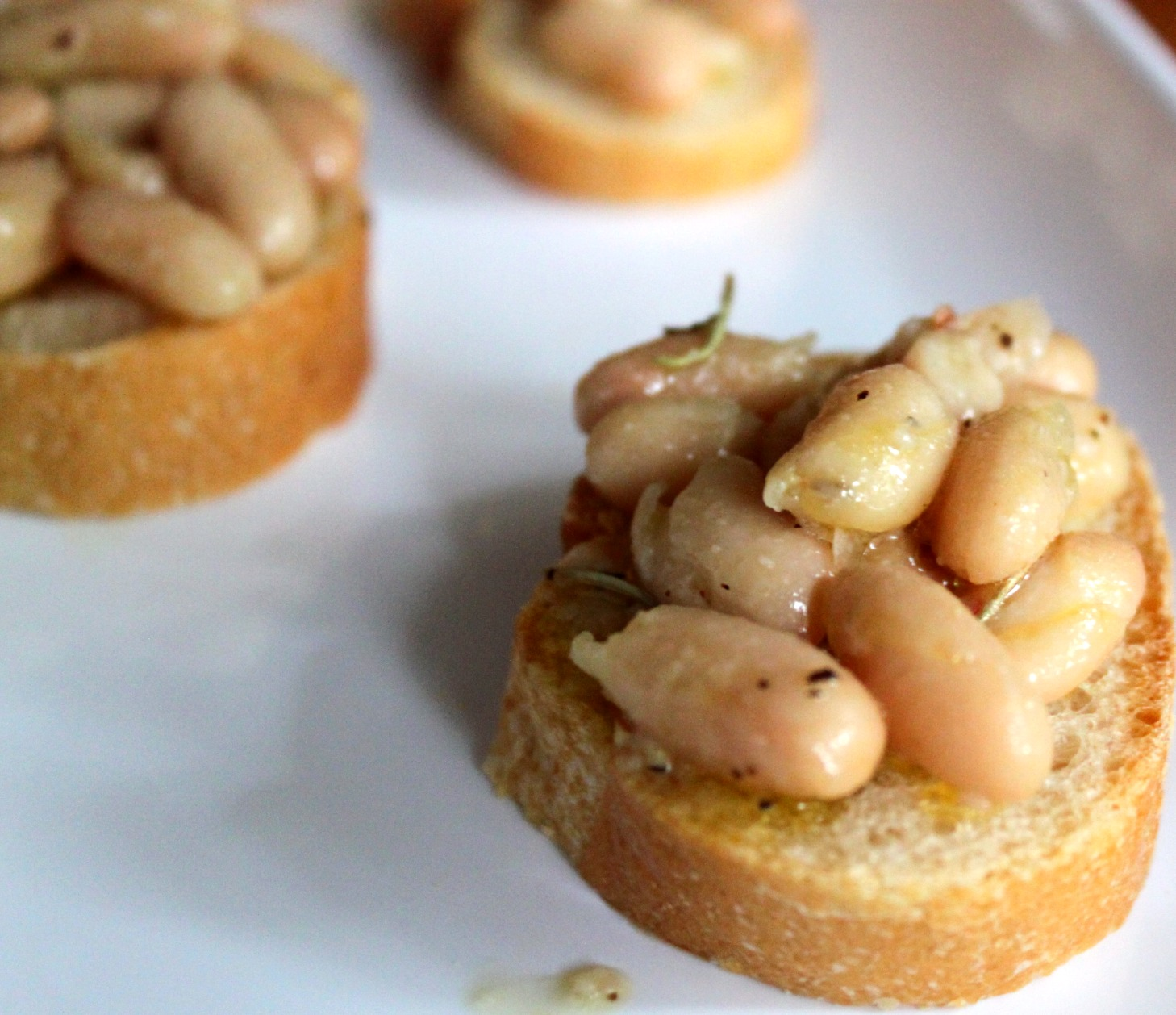 White Bean Bruschetta with Olive Oil & Rosemary
