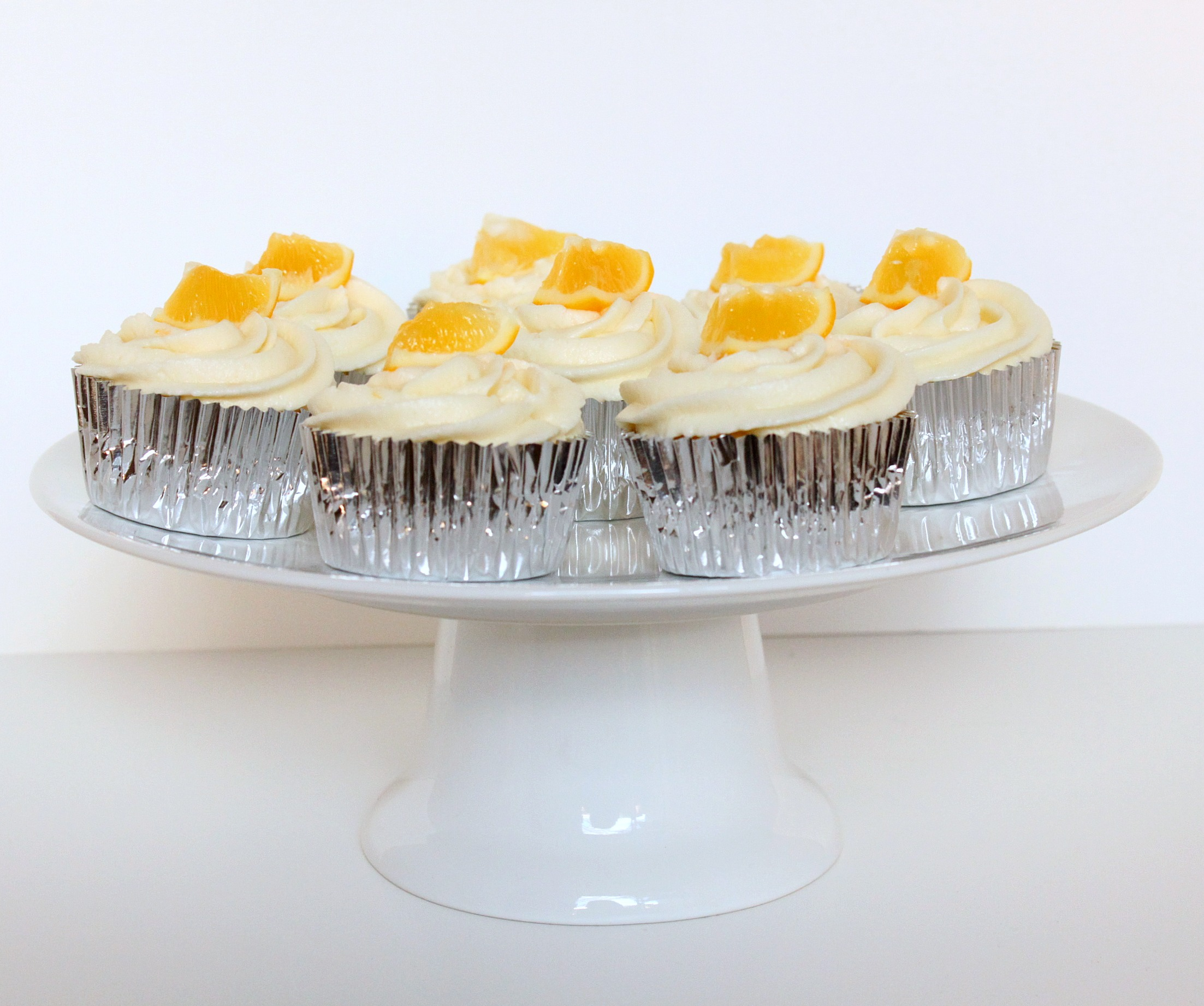 Plus, I was able to try out my new cake stand that I randomly bought ...