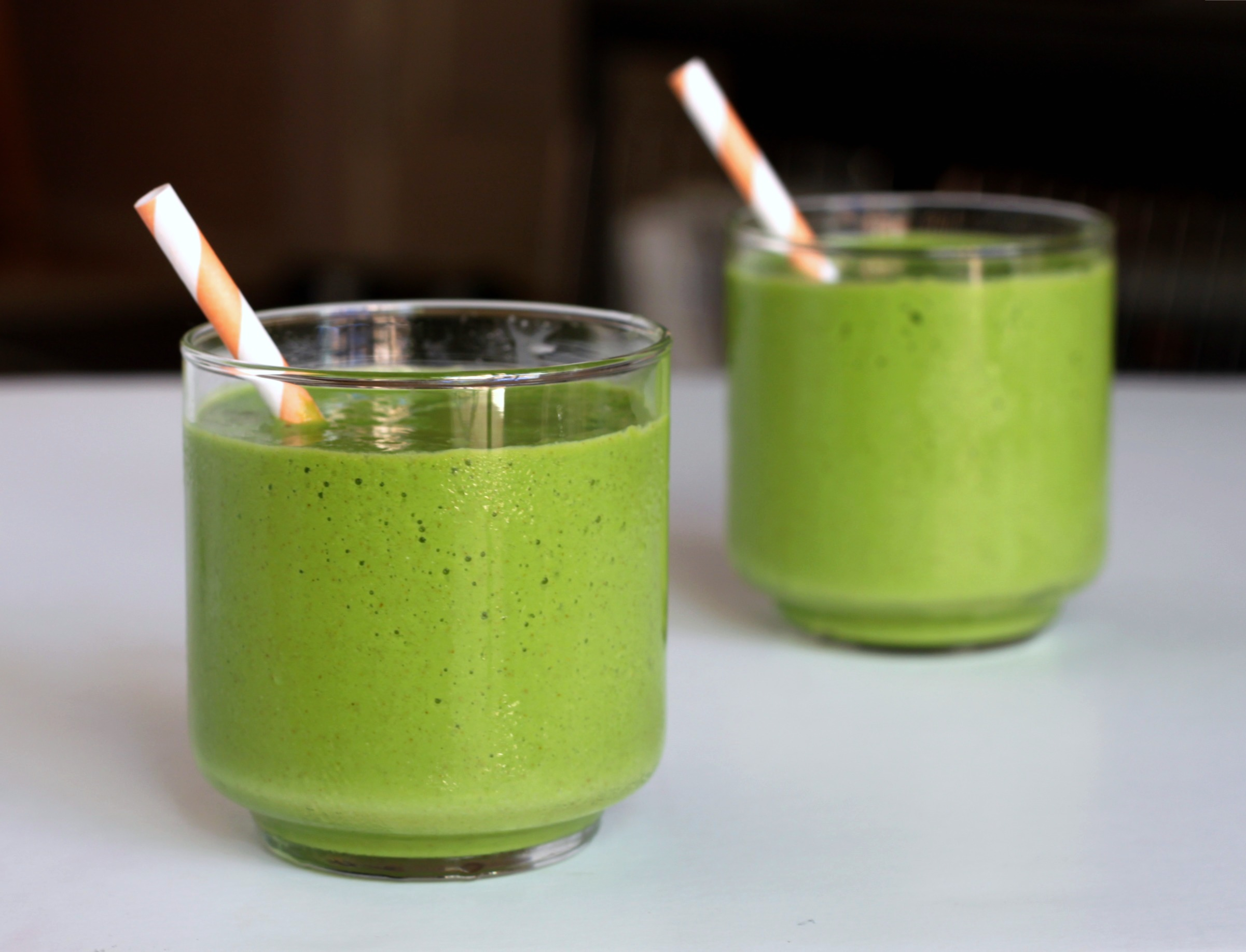 Tropical green smoothie 3