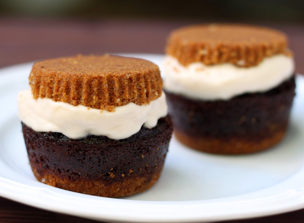 Recipe: S'mores cupcake ice cream sandwiches