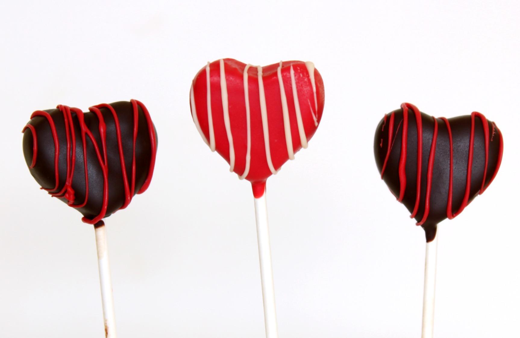 Heart shaped cake pops up