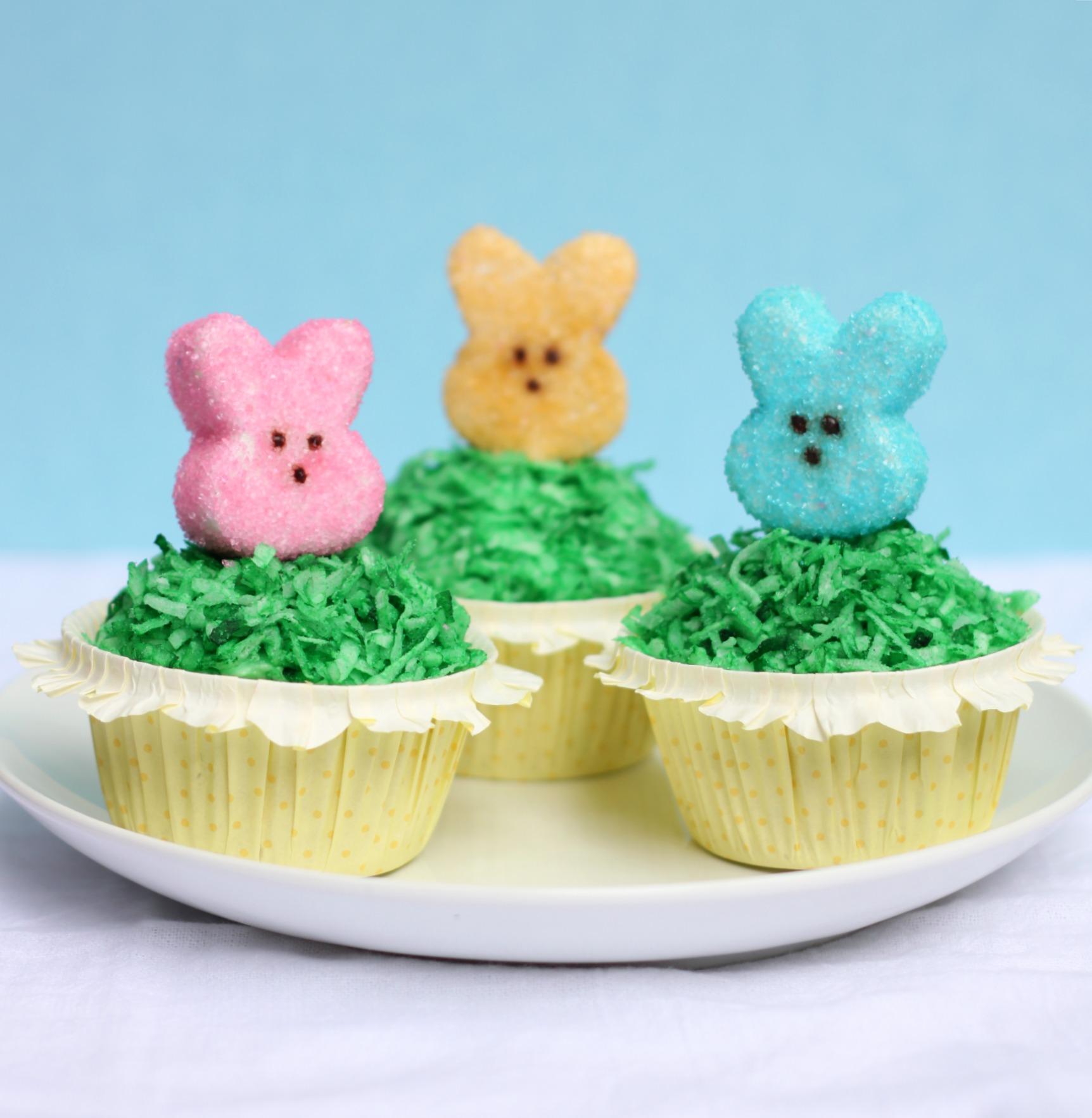 3 Peeps cupcakes